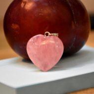 Đá Thạch Anh Hồng hình trái tim – biểu tượng của tình yêu vĩnh cửu