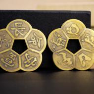 Tiền Xu Hoa Mai 5 cánh liền – Vật phẩm phong thủy giúp kích hoạt tài lộc